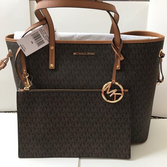 08a79cc00c6 M 5c5c9968d6dc52c71f06014e. Other Bags you may like. Michael Kors ...